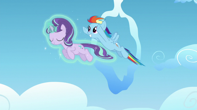 File:Starlight and Rainbow Dash fly together S5E26.png