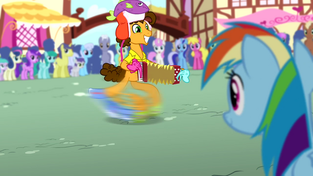 File:Cheese playing accordion to Rainbow S4E12.png