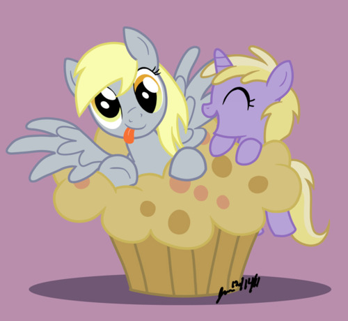 File:FANMADE Derpy and Dinky with a muffin.jpg