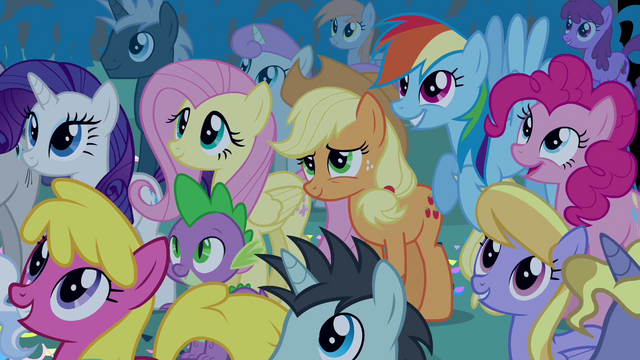 File:Twilight's friends in the crowd S4E02.png