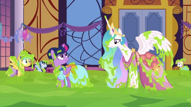 File:Princess Celestia's magic is ineffective S5E7.png
