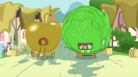 Golden Apple and Lettuce float side by side S3E4