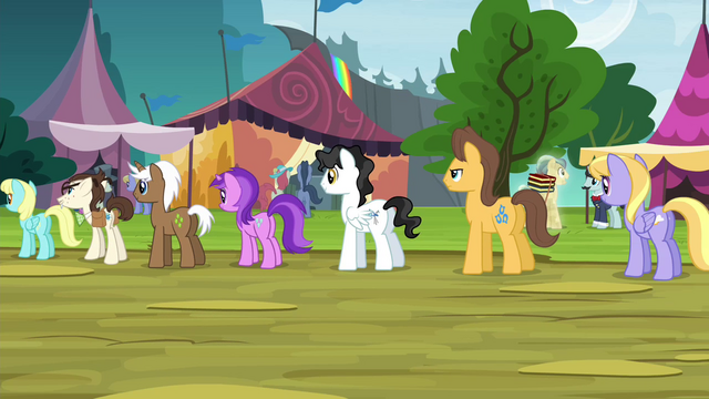 File:Ponies in line for oat burgers S4E22.png