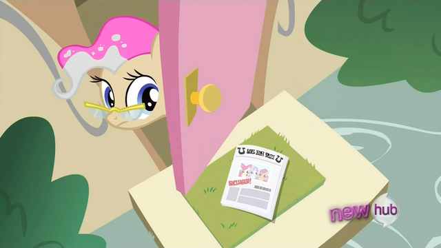 File:Mayor pink mane S2E23.png