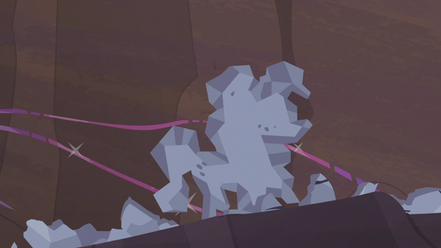 File:Pinkie Pie forms her Hearth's Warming doll S5E20.png