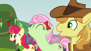 The Apples cheering S3E08