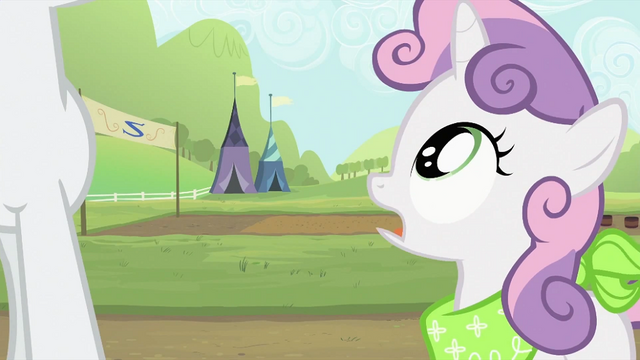 File:Sweetie Belle asking where's Applejack S2E05.png