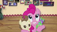 Pinkie Pie hugging Pound Cake and Gummy BFHHS3