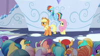 """Applejack """"if there's gonna be a Crystallin'"""" S6E2"""