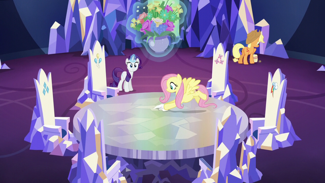 File:Fluttershy polishing the Cutie Map S5E19.png
