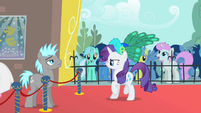 Rarity denied entry S1E20