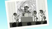 Black and white photo of Pinkie and her band S5E11