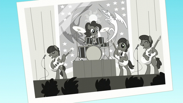 File:Black and white photo of Pinkie and her band S5E11.png