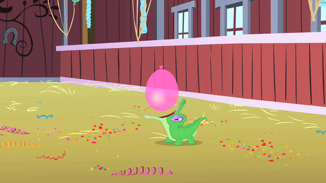 File:Gummy opens wide to catch the balloon S1E25.png