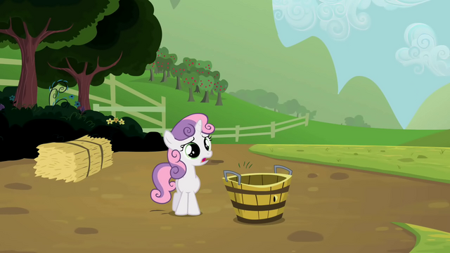 File:Sweetie Belle with empty tub S2E05.png