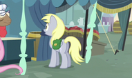 Derpy wearing saddlebags S2E19