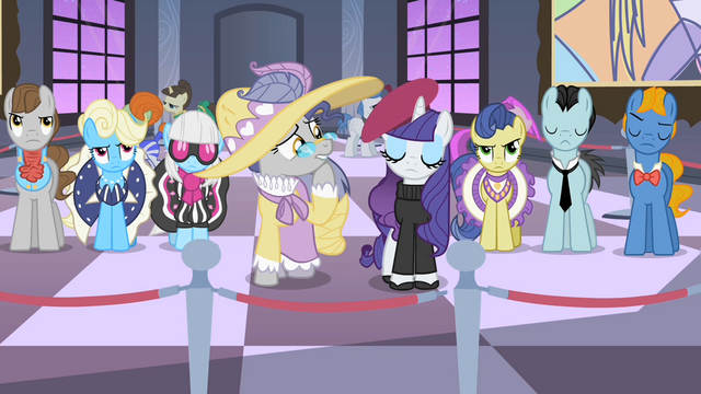 File:Rarity judges some artwork S2E09.png