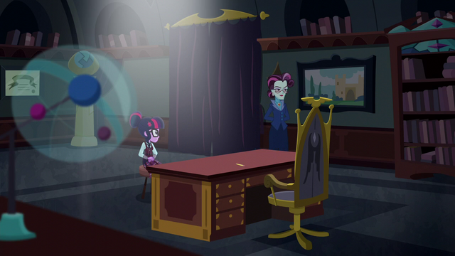 File:Twilight talking to Principal Cinch EG3.png