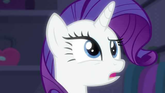 File:Rarity notices the spotlights S6E9.png