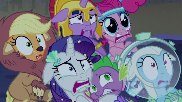 File:Twilight and friends in overwhelming fear S5E21.png