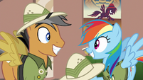 Rainbow Dash and Quibble Pants grinning S6E13