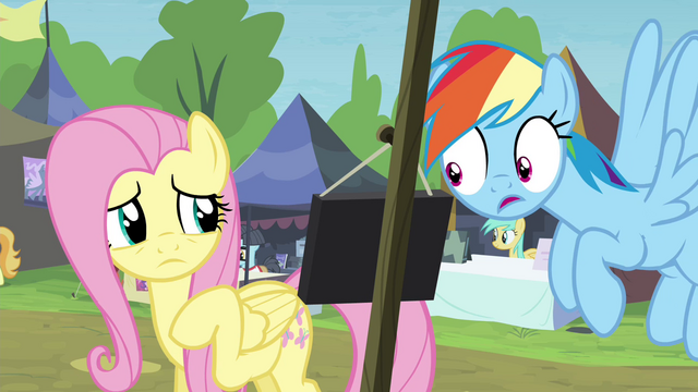File:Rainbow reads Stellar Eclipse's sign S4E22.png