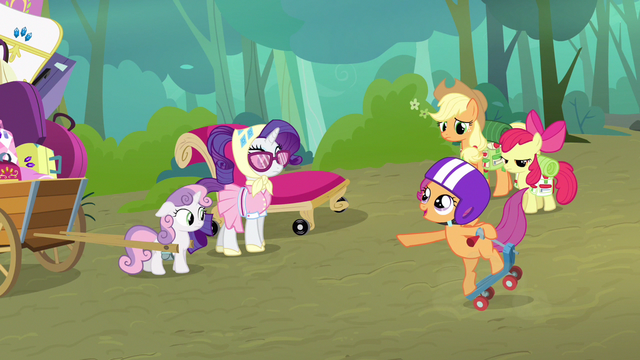 File:Rarity off couch S3E6.png