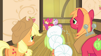 Other Apples see CMC walking away S4E17