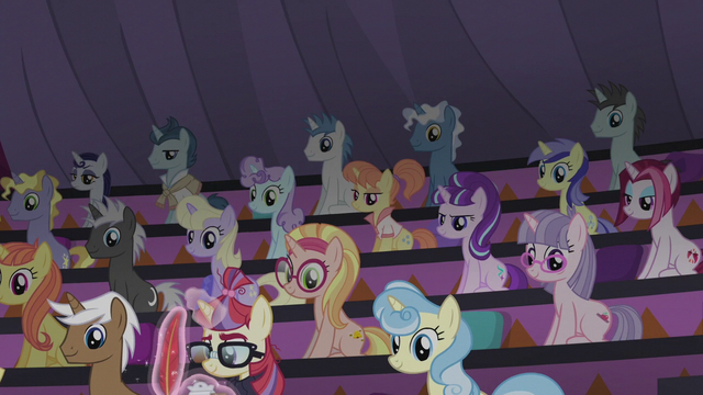 File:Starlight Glimmer in Twilight's audience S5E25.png
