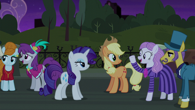 File:Neighbor and Business Ponies enjoyed the play S5E16.png