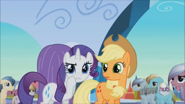 File:Rarity 'I've just made a hat out of' S3E2.png
