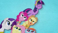 Twilight Sparkle on a pyramid of friends BFHHS3