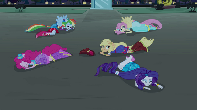 File:Main 5 pony forms on the ground EG.png