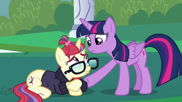 File:Twilight consoling Moon Dancer S5E12.png
