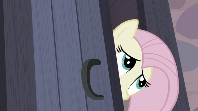 File:Fluttershy peers into Starlight's room S5E2.png