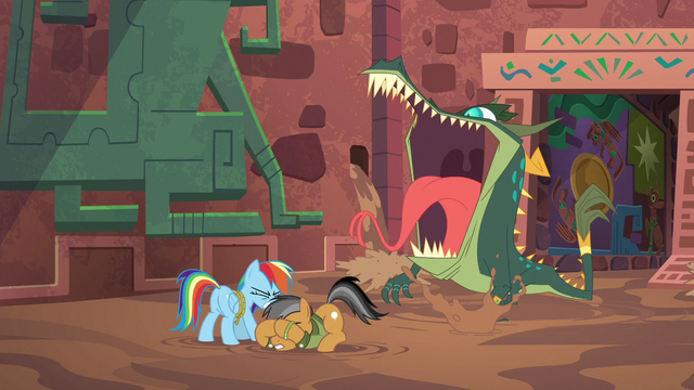 File:Rainbow and Quibble cower with fear S6E13.png