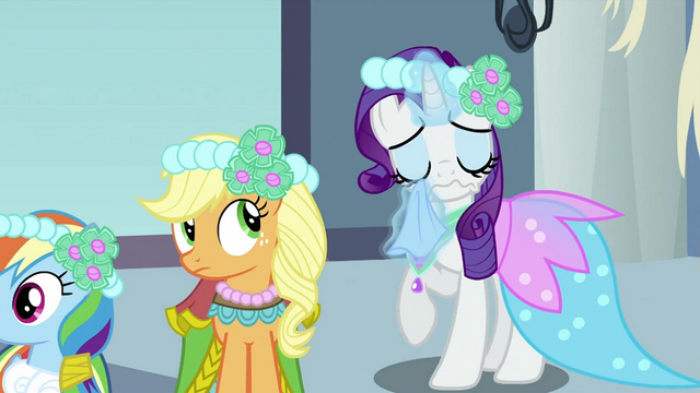 File:Rarity wiping tears S2E26.png