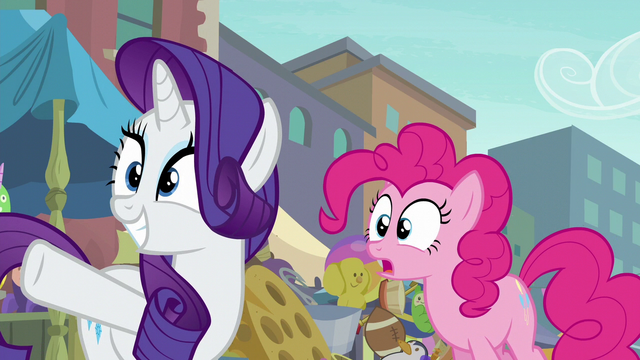 File:Rarity pointing across the street S6E3.png