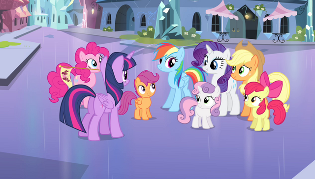 File:Twilight talking to her friends S4E24.png