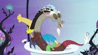 Discord in the shower S4E01