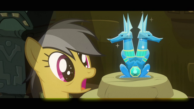 File:Daring Do sees the idol S2E16.png