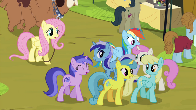File:Rainbow Dash trying to move past crowd S4E22.png