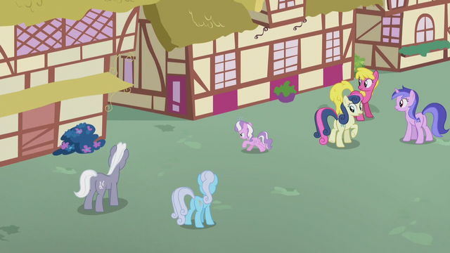 File:Diamond gallops into Ponyville alleyway S5E18.png