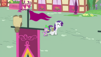 Rarity and Spike walking through Ponyville S4E23
