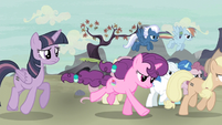 Mane Six and village ponies go after Starlight S5E2