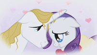 Rarity daydreams about Prince Blueblood S1E03