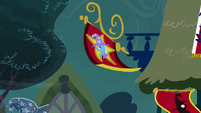 Banner in the wind S3E05
