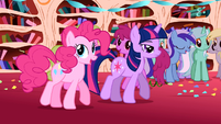 Pinkie Pie 'I just had to throw a party, ya know?' S1E1