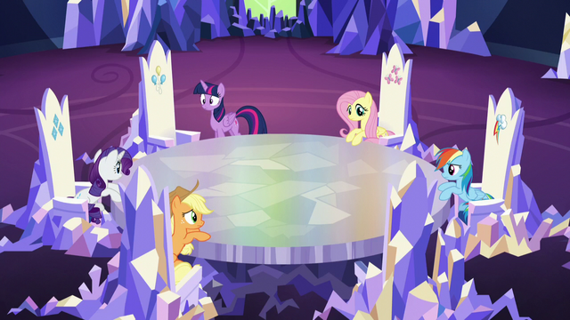 File:Mane 6 in the castle sans Pinkie S5E11.png