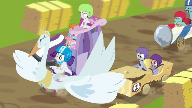File:Rarity continues to block other racers S6E14.png
